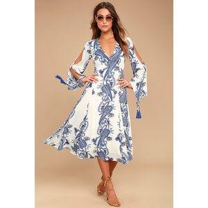 NWOT🌸 Lulu's Blue & White Paisley Boat Life Dress
